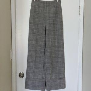 Wide-legged high-waisted plaid pants